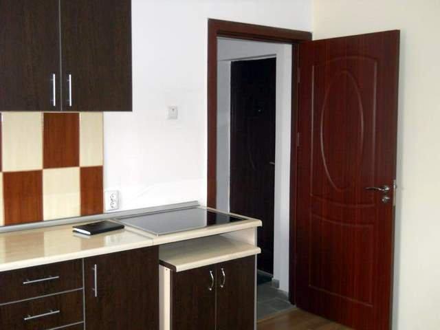 vanzare apartament semidecomandata, zona Sud, orasul Bacau, suprafata utila 42 mp