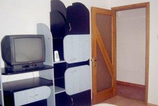 regim hotelier apartament cu 2 camere, decomandata, in zona Stefan cel Mare, orasul Bacau