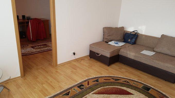 vanzare Duplex Bacau cu 2 camere, cu 1 grup sanitar, suprafata utila 40 mp. Pret: 24.500 euro negociabil.