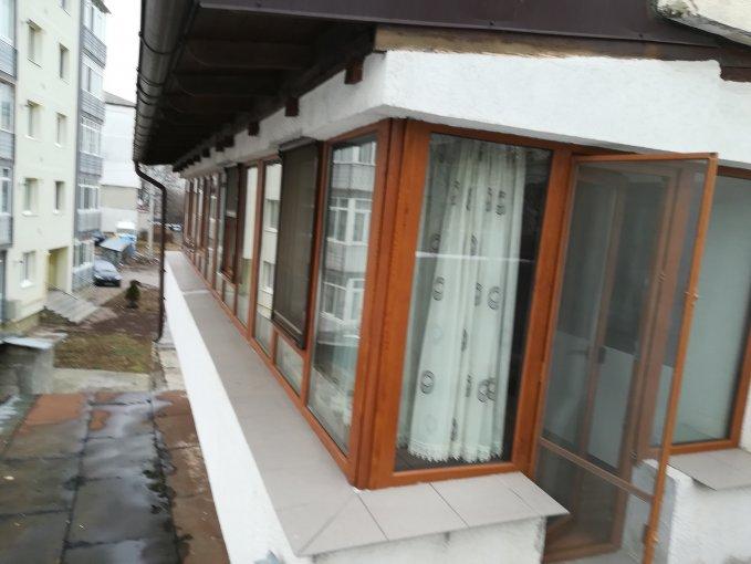 vanzare Duplex Bacau cu 3 camere, cu 1 grup sanitar, suprafata utila 70 mp. Pret: 57.000 euro negociabil.