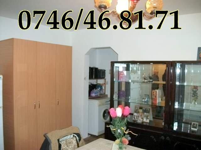 vanzare apartament cu 3 camere, semidecomandata, orasul Onesti