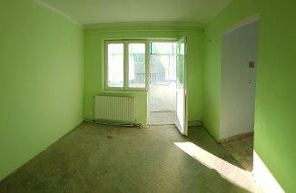 vanzare duplex cu 3 camere, semidecomandat, in zona Zimbru, orasul Bacau
