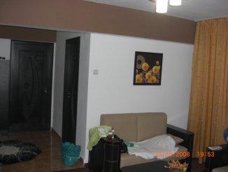agentie imobiliara vand apartament decomandata, in zona Central, orasul Onesti