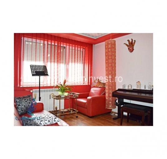 Apartament vanzare Calea Aradului cu 2 camere, etajul 7, 1 grup sanitar, cu suprafata de 48 mp. Oradea, zona Calea Aradului.