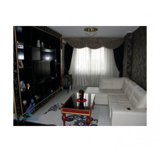 Apartament vanzare cu 2 camere, etajul 4, 1 grup sanitar, cu suprafata de 50 mp. Oradea.