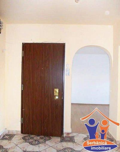 vanzare apartament cu 3 camere, decomandat, in zona Valenta, orasul Oradea