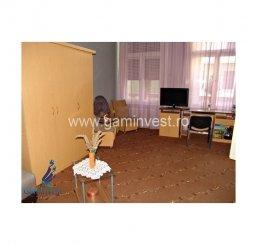 de vanzare apartament cu 3 camere semidecomandat,  confort lux in oradea