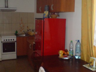 proprietar inchiriez apartament semidecomandat, orasul Oradea