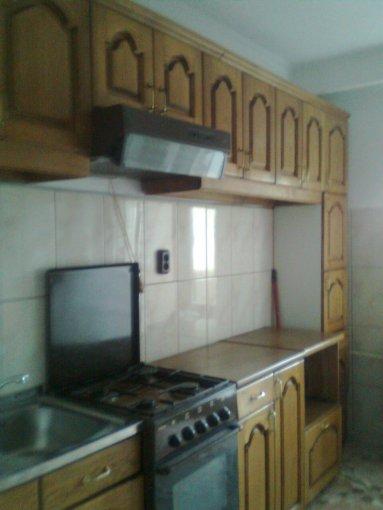 inchiriere apartament cu 3 camere, decomandat, in zona Decebal, orasul Oradea
