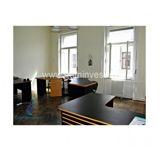inchiriere birou cu 2 camere, 1 grup sanitar, suprafata de 45 mp. In orasul Oradea, zona Garii.
