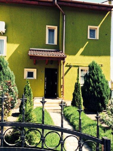 inchiriere Casa Oradea cu 3 camere, cu suprafata utila de 140 mp, 2 grupuri sanitare, 1  balcon. 500 euro. Destinatie: Rezidenta.. Casa inchiriere Europa Oradea  Bihor