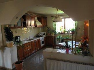 vanzare casa de la agentie imobiliara, cu 5 camere, in zona Seleus, orasul Oradea
