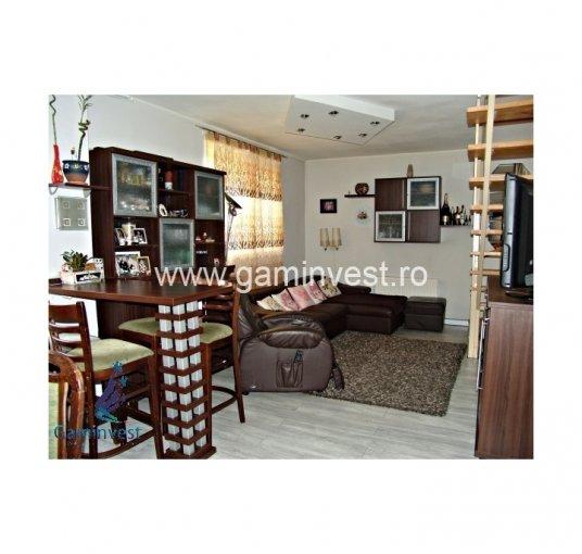 Casa de vanzare direct de la agentie imobiliara, in Oradea, cu 84.000 euro. 1  balcon, 2 grupuri sanitare, suprafata utila 105 mp. Are  5 camere.