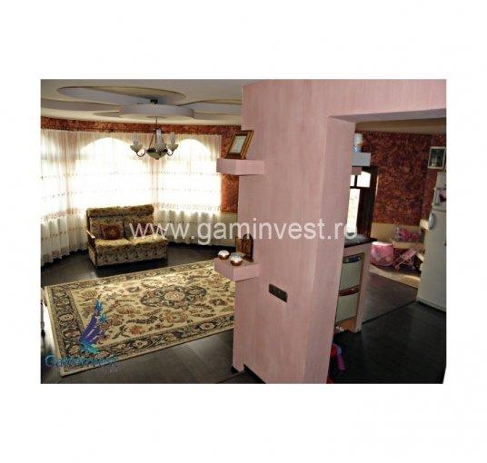 Casa de vanzare direct de la agentie imobiliara, in Rontau, cu 99.500 euro negociabil. 3  balcoane, 2 grupuri sanitare, suprafata utila 245 mp. Are  5 camere.