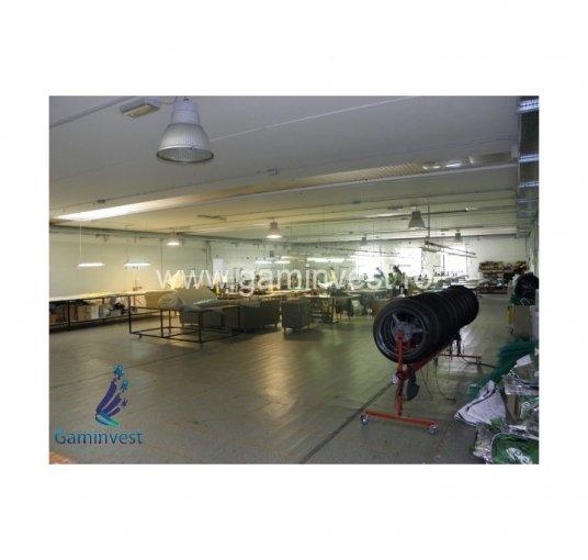 Santion Spatiu industrial de vanzare, cu 3 grupuri sanitare, suprafata 3128 mp. Pret: 870.000 euro. Amplasament: Constructie Independenta. Utilitati: Apa, Canalizare. Inaltime: 7 metri.
