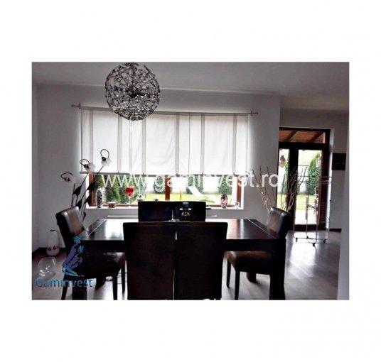 Vila de vanzare direct de la agentie imobiliara, in Oradea, cu 160.000 euro negociabil. 2  balcoane, 2 grupuri sanitare, suprafata utila 103 mp. Are 1 etaj si 4 camere.