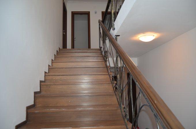 Apartament de vanzare direct de la agentie imobiliara, in Predeal, in zona Malul Ursului, cu 48.000 euro. 1  balcon, 1 grup sanitar, suprafata utila 50 mp.