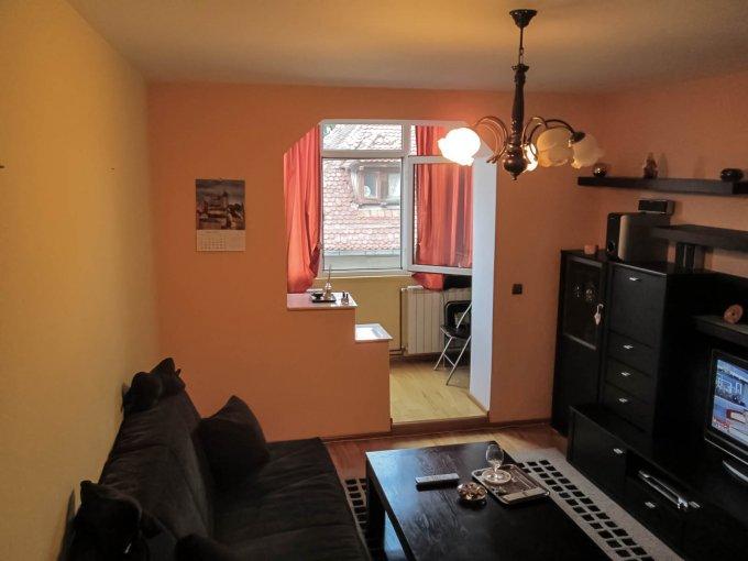 Apartament vanzare Centru cu 2 camere, etajul 1 / 4, 1 grup sanitar, cu suprafata de 55 mp. Predeal, zona Centru.