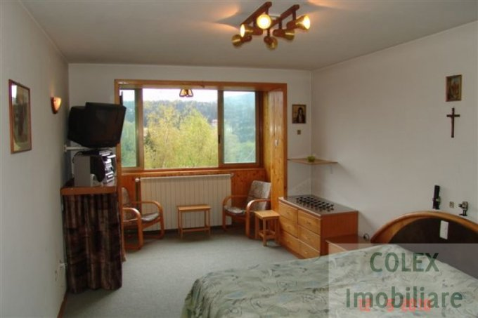 vanzare Apartament Predeal cu 2 camere, cu 1 grup sanitar, suprafata utila 62 mp. Pret: 39.000 euro negociabil.
