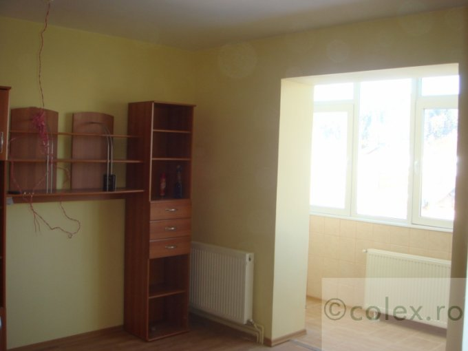 Apartament de vanzare in Predeal cu 2 camere, cu 1 grup sanitar, suprafata utila 50 mp. Pret: 58.000 euro negociabil.