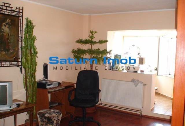 Apartament vanzare Brasov 2 camere, suprafata utila 51 mp, 1 grup sanitar. 42.000 euro. Etajul 8 / 8. Apartament Craiter Brasov