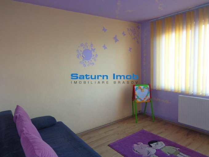 agentie imobiliara vand apartament semidecomandat, in zona Astra, orasul Brasov