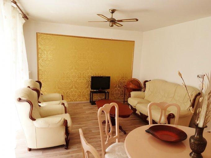 inchiriere Apartament Brasov cu 2 camere, cu 1 grup sanitar, suprafata utila 53 mp. Pret: 320 euro. Incalzire: Centrala proprie a locuintei.