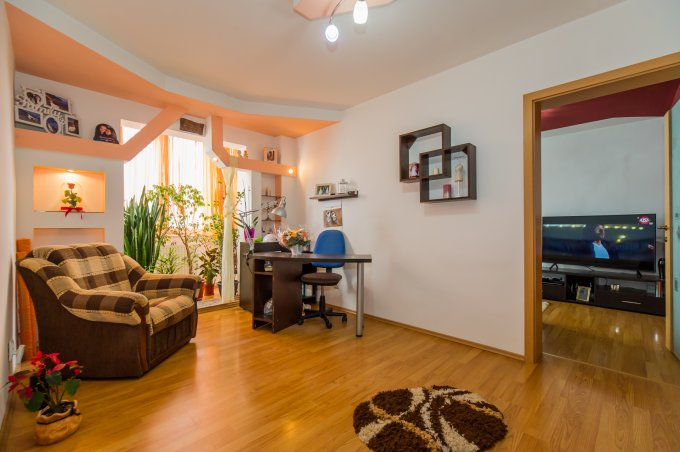 Apartament de vanzare direct de la agentie imobiliara, in Brasov, in zona Uzina 2, cu 46.800 euro. 1  balcon, 1 grup sanitar, suprafata utila 46 mp.
