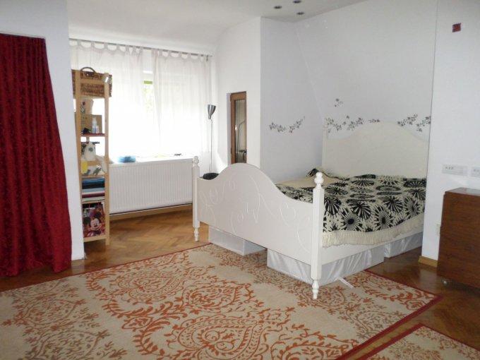 Apartament vanzare Brasov 2 camere, suprafata utila 65 mp, 1 grup sanitar, 1  balcon. 47.000 euro. Etajul 1 / 1. Apartament Centrul Civic Brasov