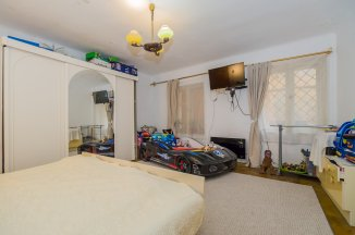 vanzare apartament cu 2 camere, semidecomandat, in zona Centrul Istoric, orasul Brasov