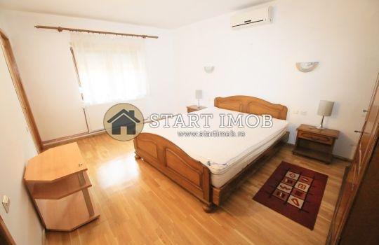 inchiriere Apartament Brasov cu 2 camere, cu 2 grupuri sanitare, suprafata utila 80 mp. Pret: 350 euro. Incalzire: Centrala proprie a locuintei.