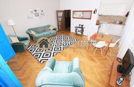 inchiriere Apartament Brasov cu 2 camere, cu 1 grup sanitar, suprafata utila 70 mp. Pret: 450 euro. Incalzire: Centrala proprie a locuintei.