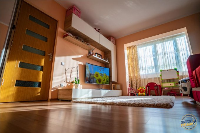 Apartament vanzare Brasov 2 camere, suprafata utila 62 mp, 1 grup sanitar, 1  balcon. 68.600 euro. La Parter. Apartament Tractorul Brasov