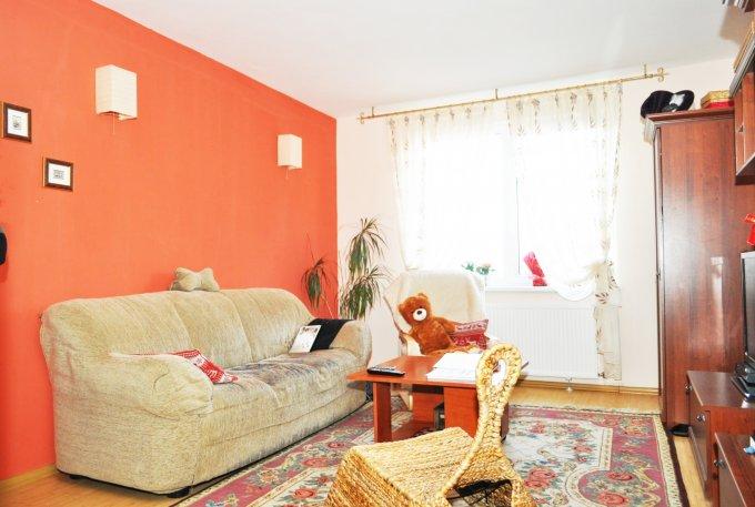 vanzare apartament cu 3 camere, semidecomandat-circular, in zona Calea Bucuresti, orasul Brasov