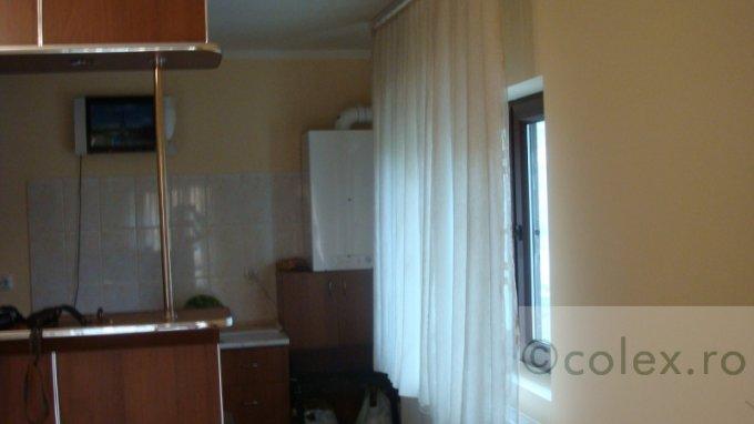 Apartament de vanzare in Predeal cu 3 camere, cu 1 grup sanitar, suprafata utila 53 mp. Pret: 90.000 euro negociabil.
