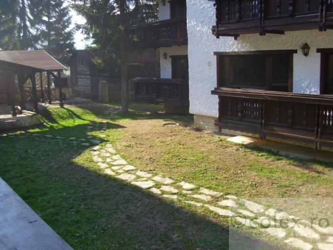 vanzare Apartament Predeal cu 3 camere, cu 2 grupuri sanitare, suprafata utila 77 mp. Pret: 145.000 euro negociabil.