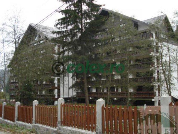 vanzare Apartament Predeal cu 3 camere, cu 2 grupuri sanitare, suprafata utila 84 mp. Pret: 180.000 euro negociabil.