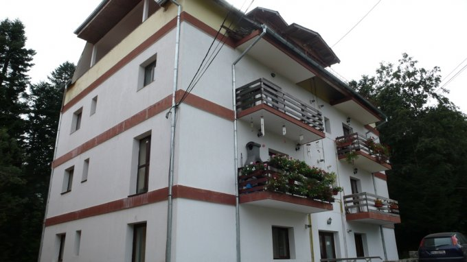 Apartament de vanzare direct de la agentie imobiliara, in Predeal, in zona Centru, cu 52.000 euro. 1  balcon, 1 grup sanitar, suprafata utila 60 mp.
