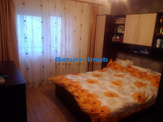 Apartament vanzare Brasov 3 camere, suprafata utila 70 mp, 1 grup sanitar. 59.990 euro. Etajul 2 / 4. Apartament Tractorul Brasov