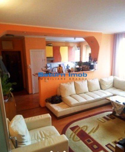 Apartament vanzare Centrul Civic cu 3 camere, etajul 4 / 4, 1 grup sanitar, cu suprafata de 65 mp. Brasov, zona Centrul Civic.