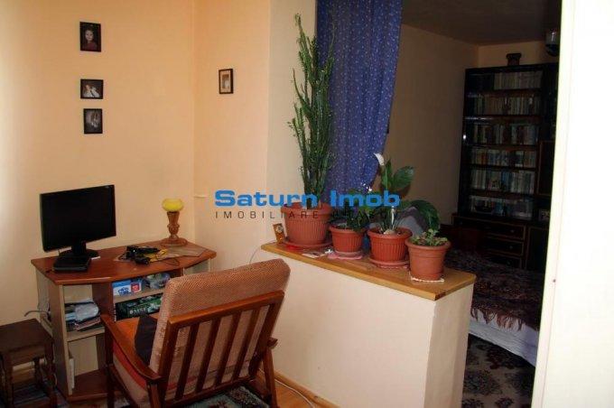 vanzare apartament cu 3 camere, decomandat, in zona Vlahuta, orasul Brasov