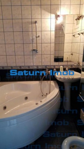 Apartament vanzare Calea Bucuresti cu 3 camere, etajul 9 / 10, 1 grup sanitar, cu suprafata de 70 mp. Brasov, zona Calea Bucuresti.