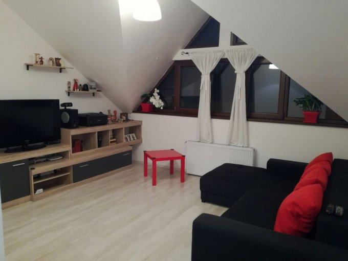 Apartament de vanzare in Sanpetru cu 3 camere, cu 1 grup sanitar, suprafata utila 77 mp. Pret: 55.000 euro.