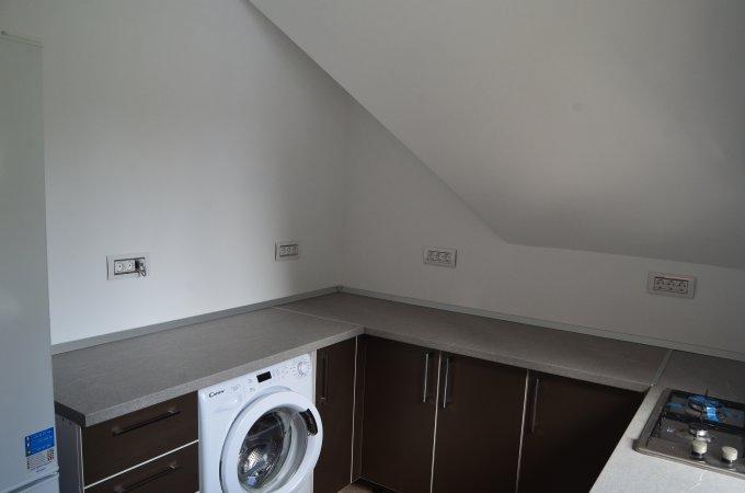 Apartament de vanzare direct de la agentie imobiliara, in Predeal, in zona Cioplea, cu 78.000 euro. 2  balcoane, 2 grupuri sanitare, suprafata utila 78 mp.