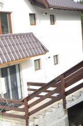 vanzare apartament cu 3 camere, decomandat, in zona Cioplea, orasul Predeal