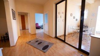 Brasov, zona Centrul Civic, apartament cu 3 camere de vanzare