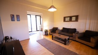 Apartament cu 3 camere de vanzare, confort Lux, zona Centrul Civic,  Brasov