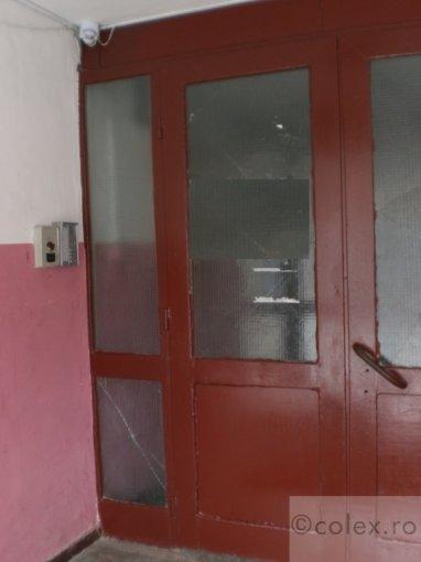 Apartament vanzare Predeal 4 camere, suprafata utila 62 mp, 1 grup sanitar. 65.000 euro negociabil. Etajul 1. Apartament Semicentral Predeal  Brasov