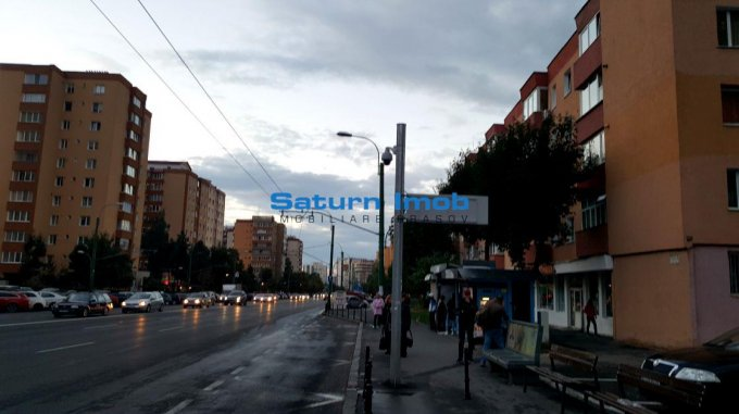 agentie imobiliara vand apartament semidecomandat, in zona Vlahuta, orasul Brasov