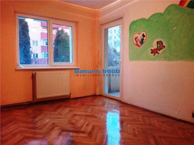 Apartament de inchiriat in Brasov cu 4 camere, cu 2 grupuri sanitare, suprafata utila 80 mp. Pret: 380 euro.